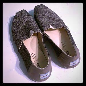 TOMS Shoes Size 8